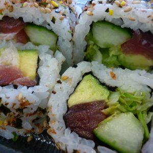 chumaki tonijn avocado